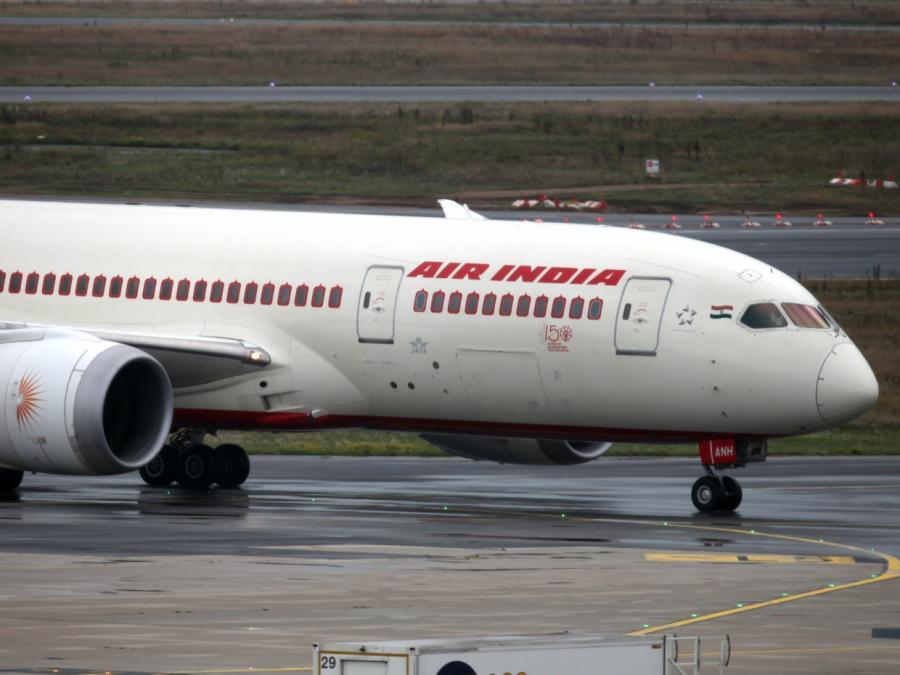 EVP-Fraktionschef für Stopp aller EU-Flugverbindungen aus Indien