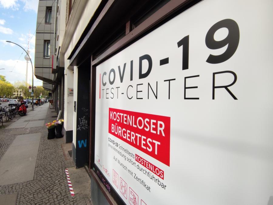 Schleswig-Holstein gegen neuen Lockdown - Tests nur gegen Bezahlung
