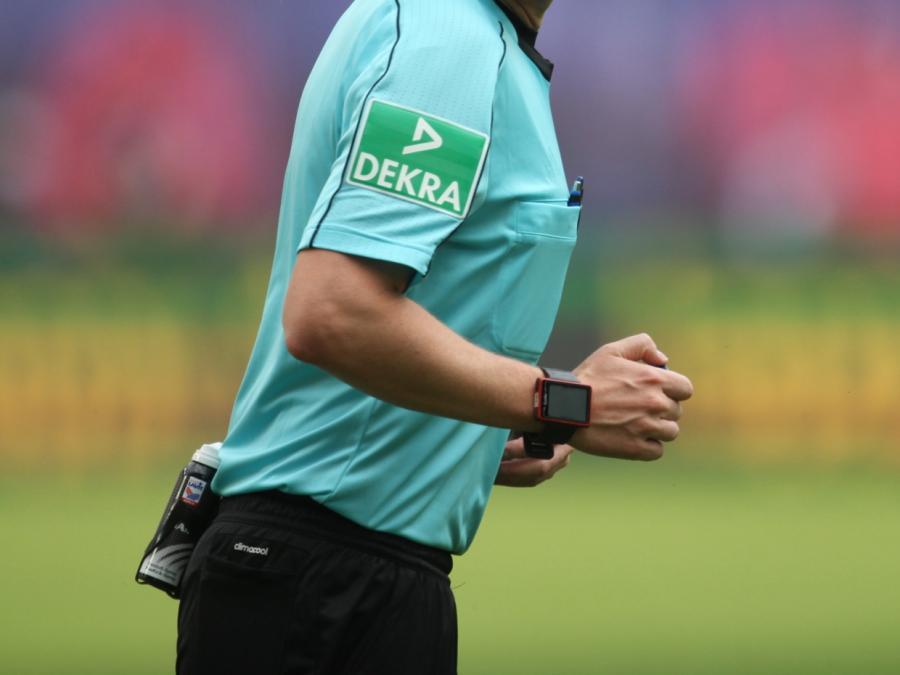 Rafati: Schiedsrichter sollten im Training von Bundesligisten pfeifen