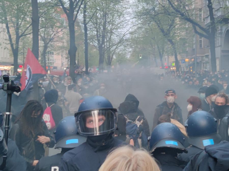GdP: Mehr als 50 verletzte Polizisten bei 1.-Mai-Demo in Berlin