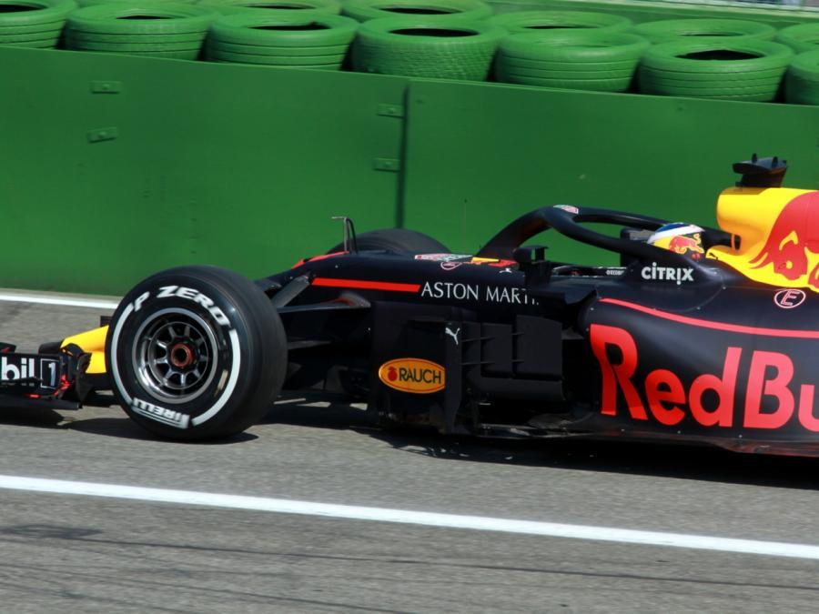 Pérez gewinnt in Baku - Verstappen und Hamilton patzen