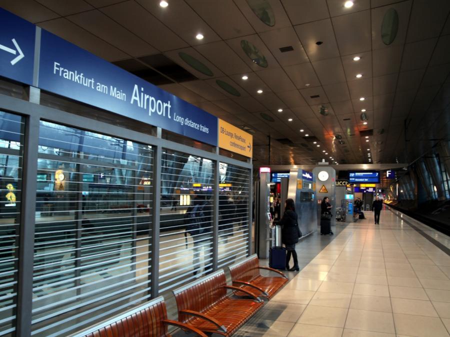 Fast jeder zweite Inlandsflug durch Bahnfahrt ersetzbar