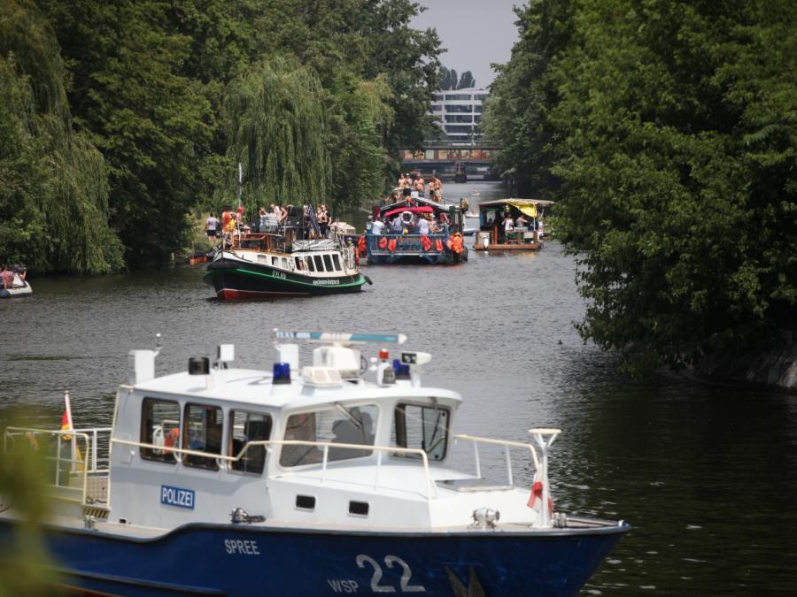 Polizei hält Berliner Bootsdemo für Club-Öffnung klein