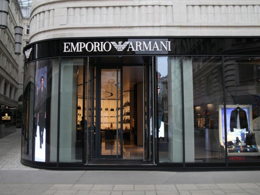 Giorgio Armani mag Mode-Stil von Angela Merkel