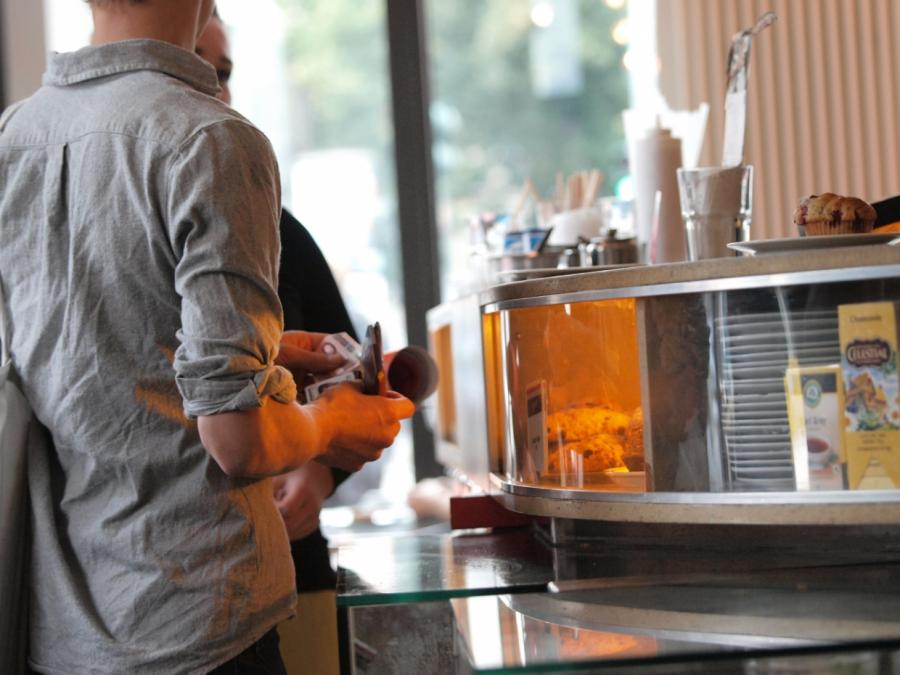 Klöckner: Gastronomie keine zu frühe Öffnung versprechen