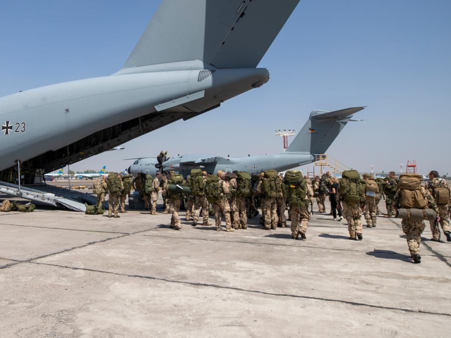 Gysi: Linke hätte Rettungseinsatz in Kabul zustimmen können