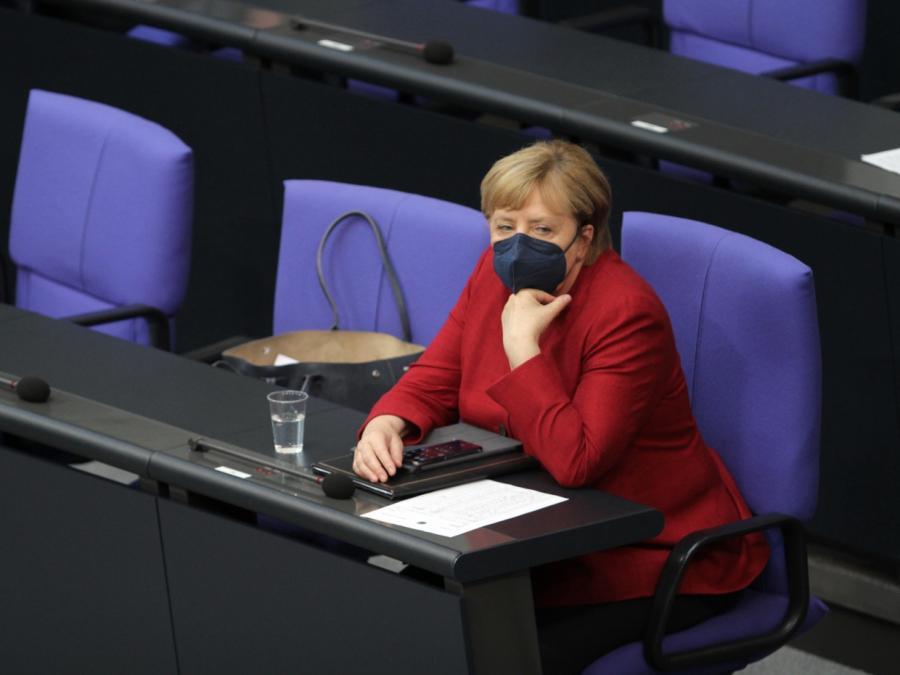 SPD und Linke kritisieren Merkel-Auftritt im Bundestag