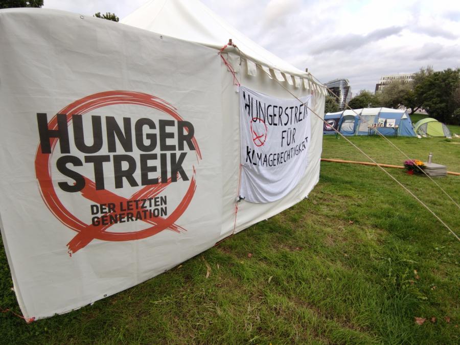 Baerbock fordert Ende des Hungerstreiks von Klimaaktivisten