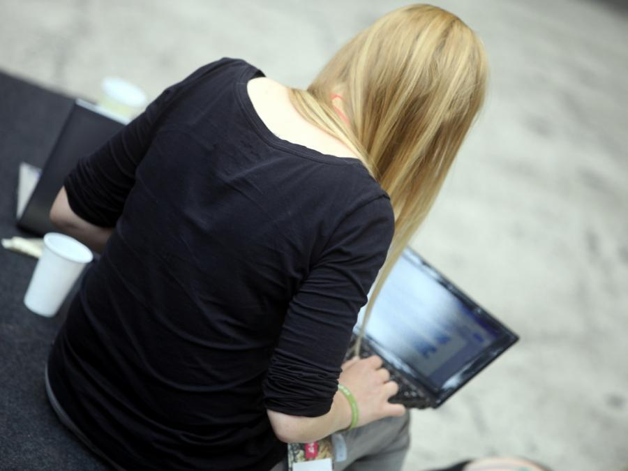 Verbraucherschützer mahnen Onlinebezahldienst PayPal ab