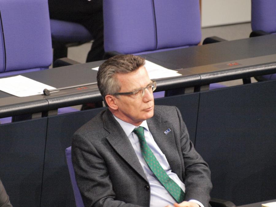 De Maizière kritisiert Zerfall der politischen Kultur