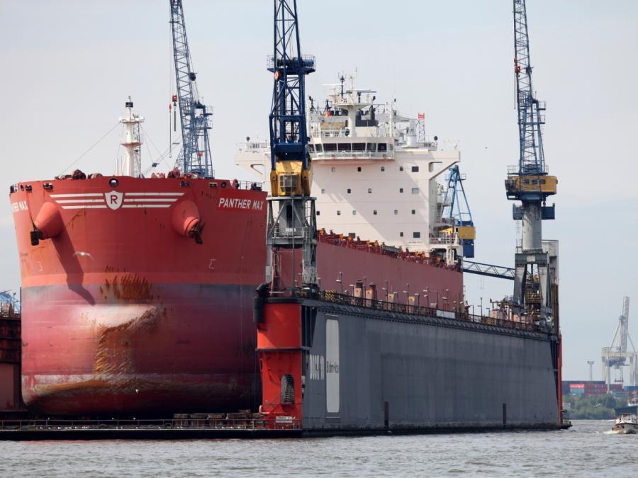 Verkehrsministerium will Umrüstung von Seeschiffen