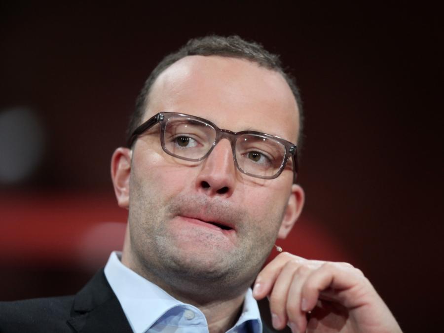 Kreise: Spahn brachte Merkel in Sondierungen auf die Palme