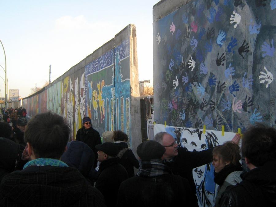 David Hasselhoff kämpft für Erhalt der Berliner East Side Gallery