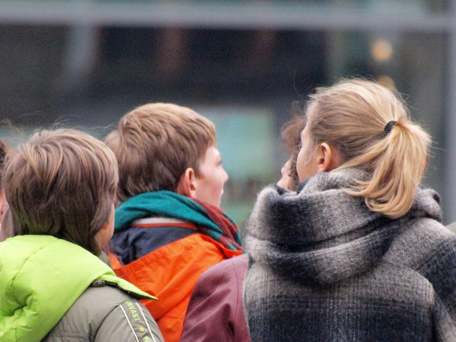Politiker fordern besseren Schutz von Kindern
