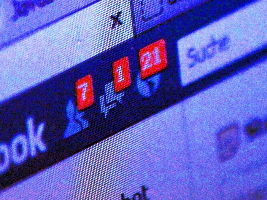 Umfrage: Facebook schadet der Demokratie