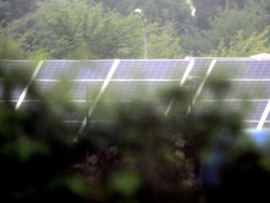 Bau von Photovoltaik-Anlagen: Verbraucherschützer mahnen zur Eile
