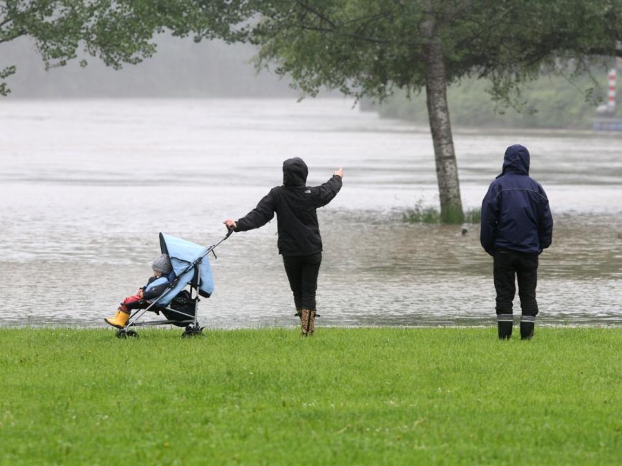 Regenfälle lassen nach - Wetterdienst gibt Entwarnung