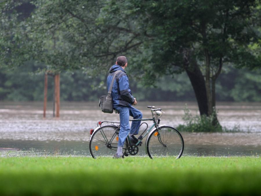 Hochwasser geht zurück - Rheinpegel sinken
