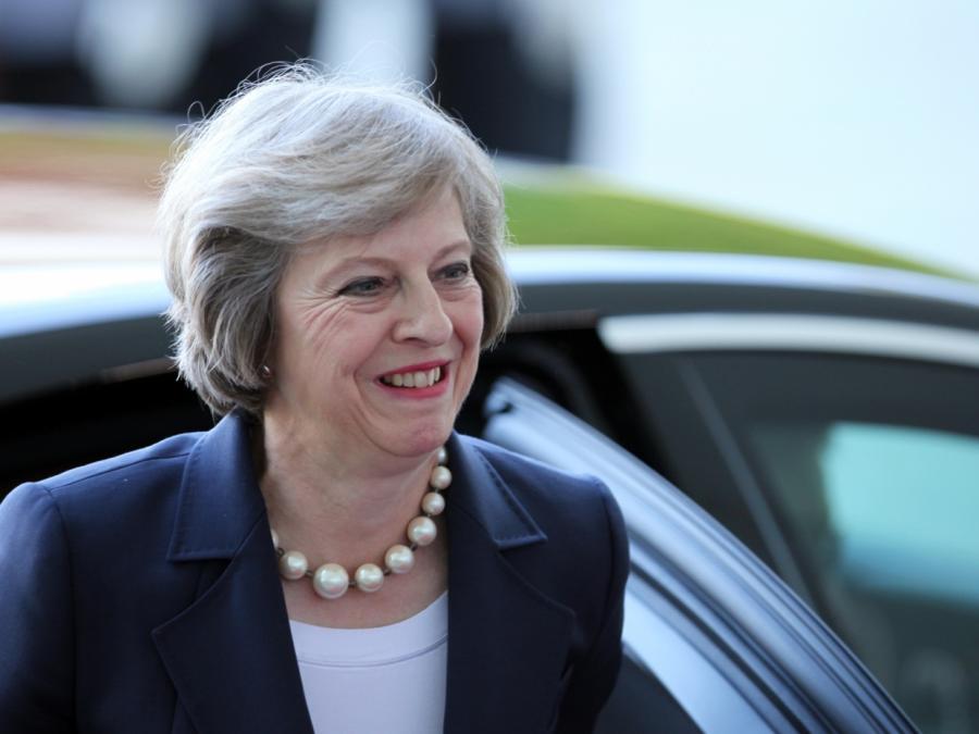 Felicity Jones würde gerne Theresa May spielen