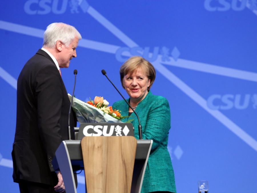 Seehofer legt Zeitplan für Große Koalition vor