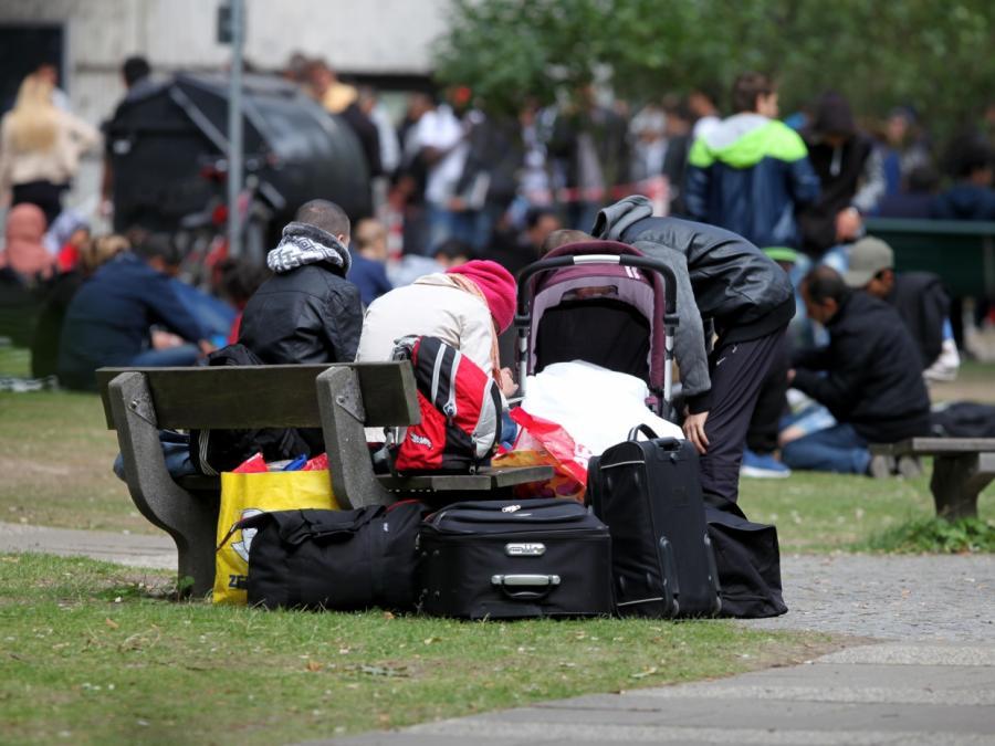 CSU: Asylbewerber sollen nur noch Sachleistungen erhalten