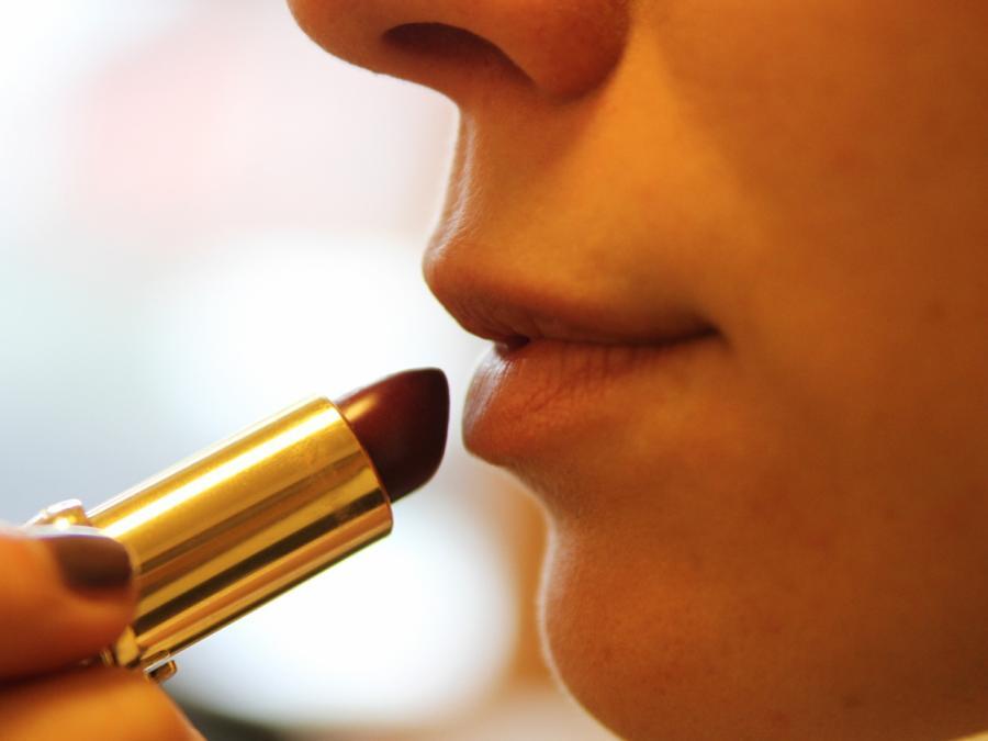 Mikroplastik: Hendricks droht Kosmetikindustrie