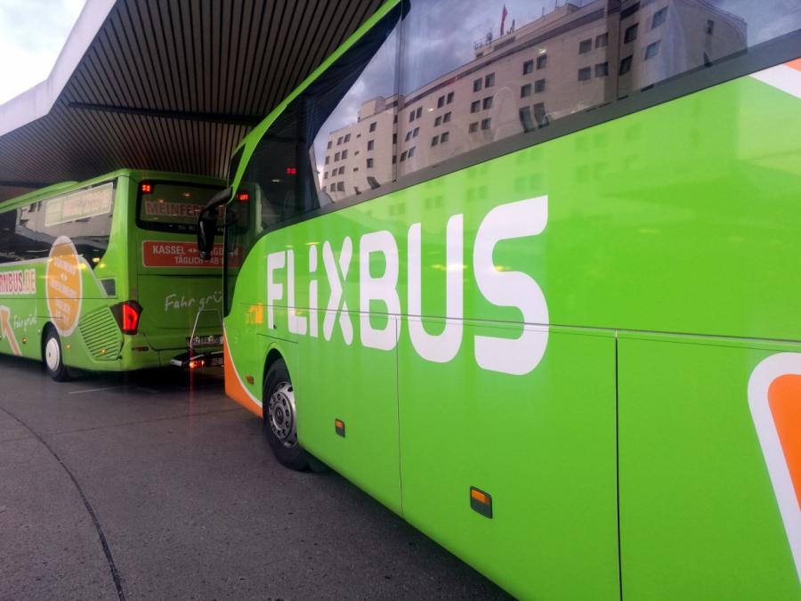 Flixbus-Chef: Fahrverbot für Busfahrer mit Smartphone am Steuer