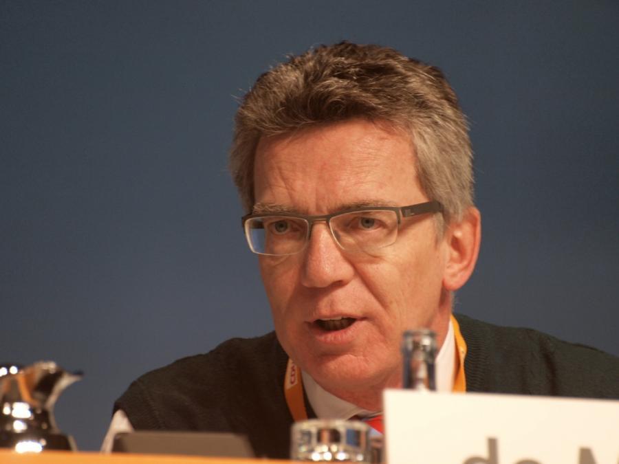 BVB-Anschlag: De Maizière nennt Tatmotiv besonders widerwärtig