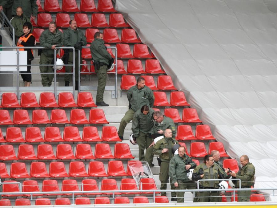Grüne: Fußballvereine sollen mehr für Sicherheit zahlen