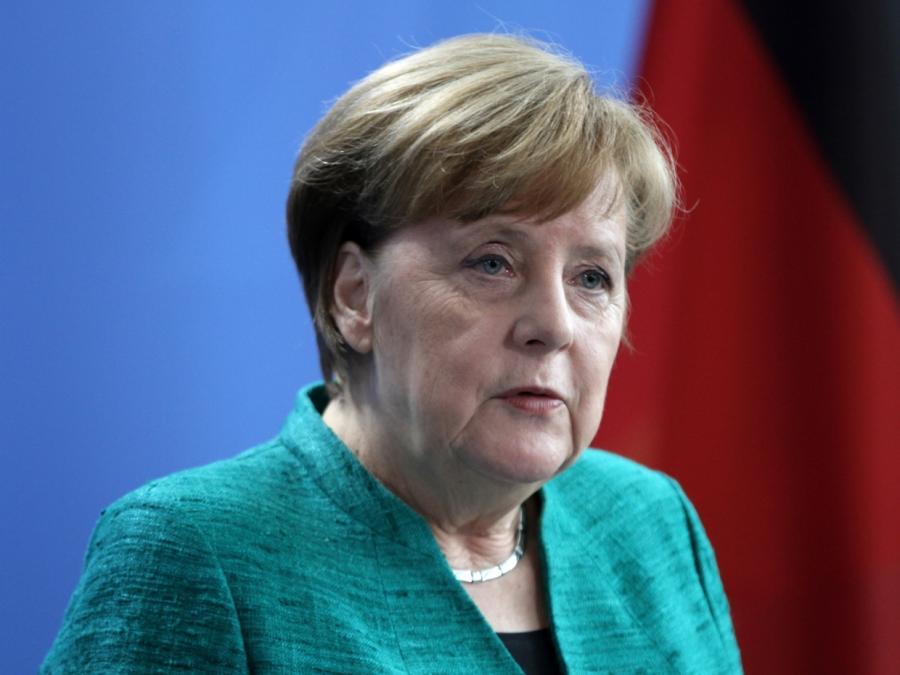 Schulz kritisiert Merkel für Zögern bei EU-Integration