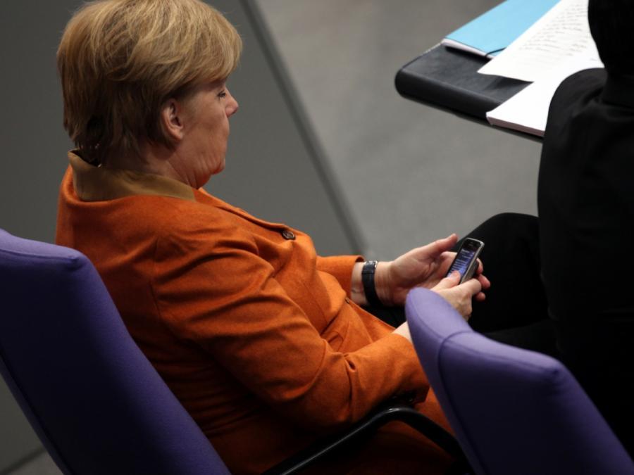 Merkel benennt Hürden für Digitalisierung von Schulen