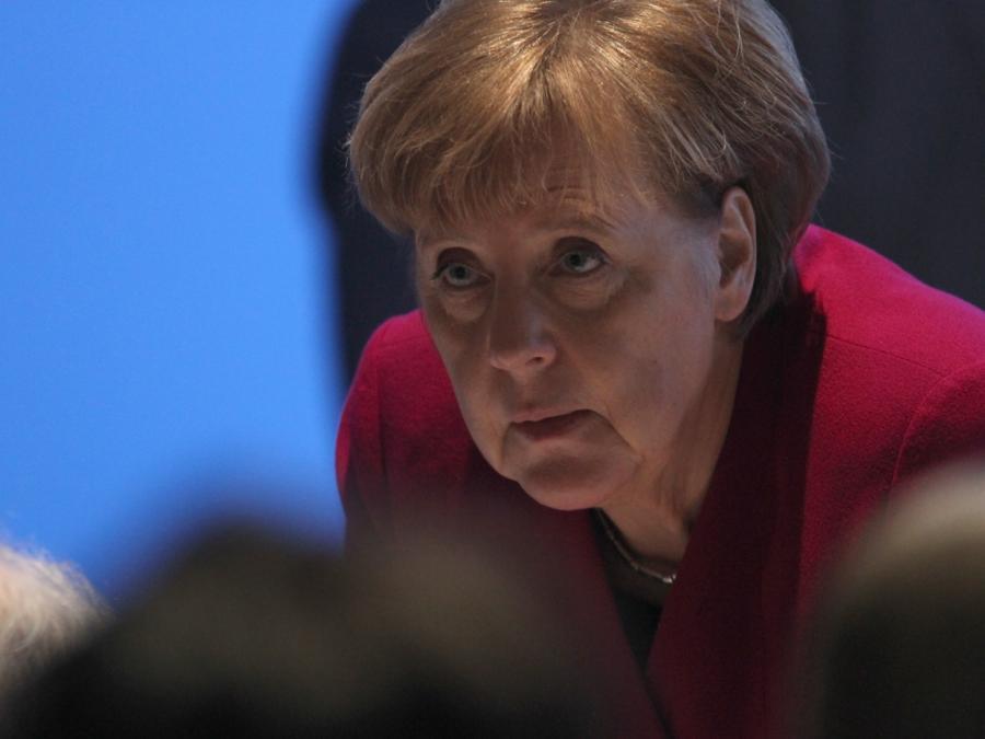 Roland Koch rechnet mit Merkel ab