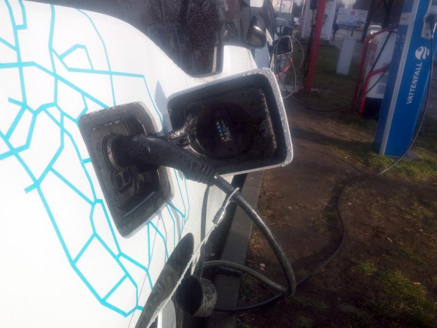 Hermann wirft Autoindustrie Versäumnisse bei Elektromobilität vor