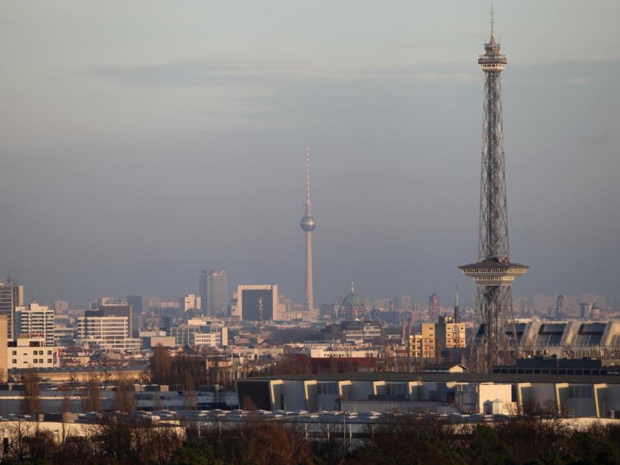 Rufe nach vollständigen Regierungsumzug nach Berlin werden lauter