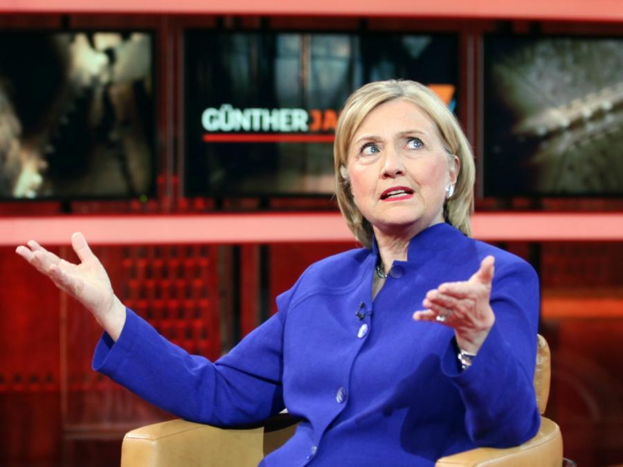 Ex-FBI-Chef Comey will sich nicht bei Clinton entschuldigen