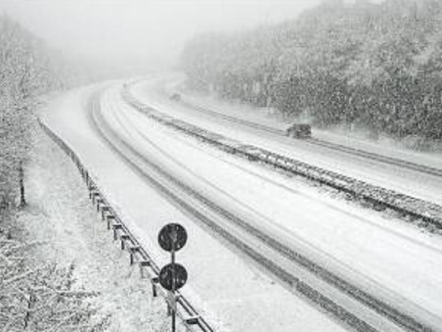 Verkehrsbehinderungen durch Schneefälle