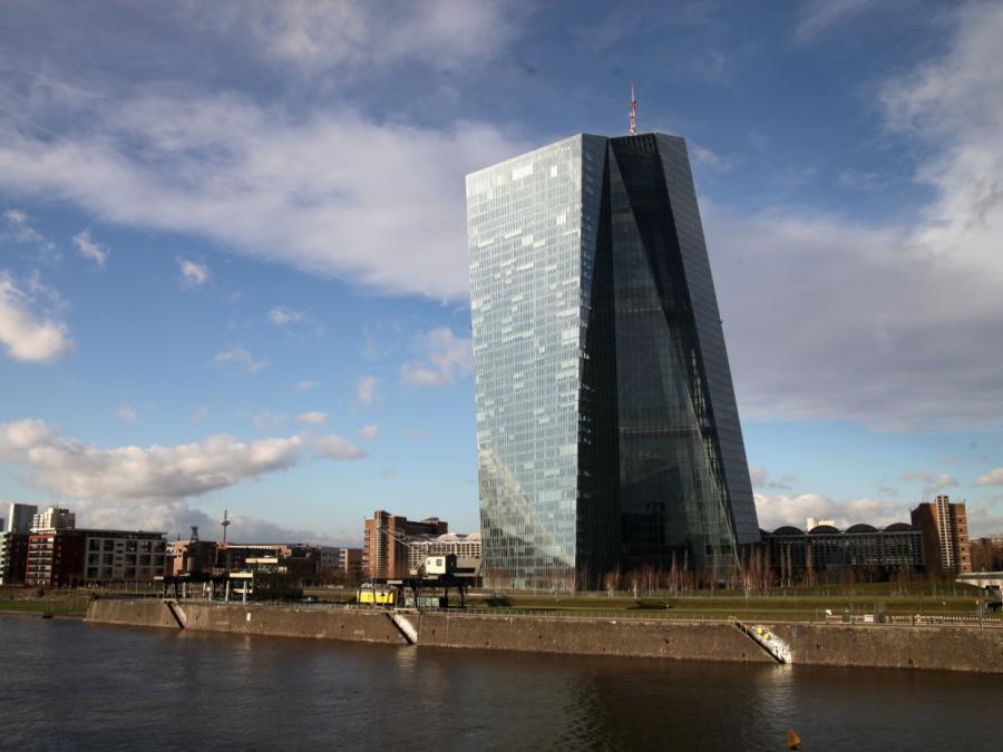 Bankenpräsident Riegler will von EZB Abkehr von Niedrigzinspolitik