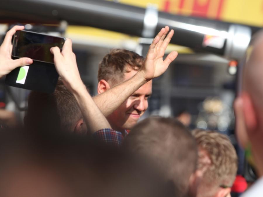Vettel gewinnt Großen Preis von Bahrain