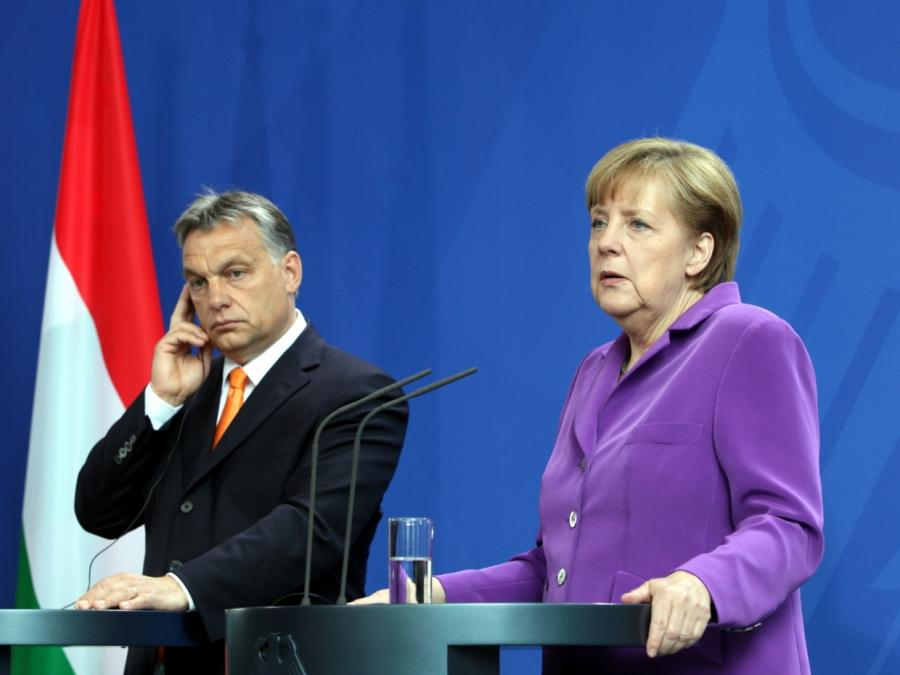 Merkel gratuliert Orban