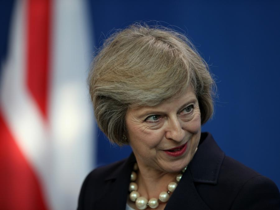 May übersteht weitere Brexit-Abstimmung