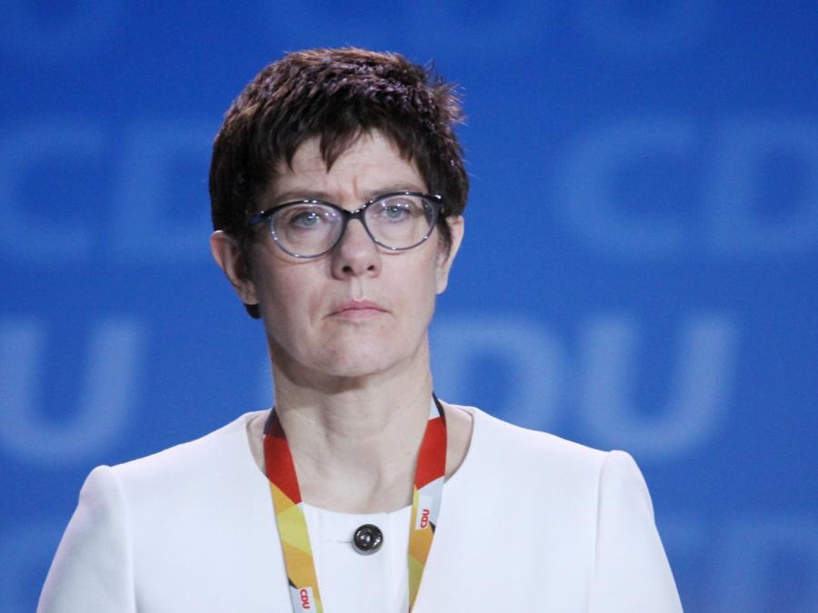 Umfrage: Mehrheit spricht AKK Eignung als Verteidigungsministerin ab