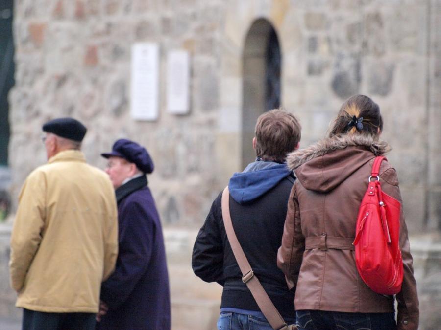 Tillich will offene Debatte zu Rentenpolitik