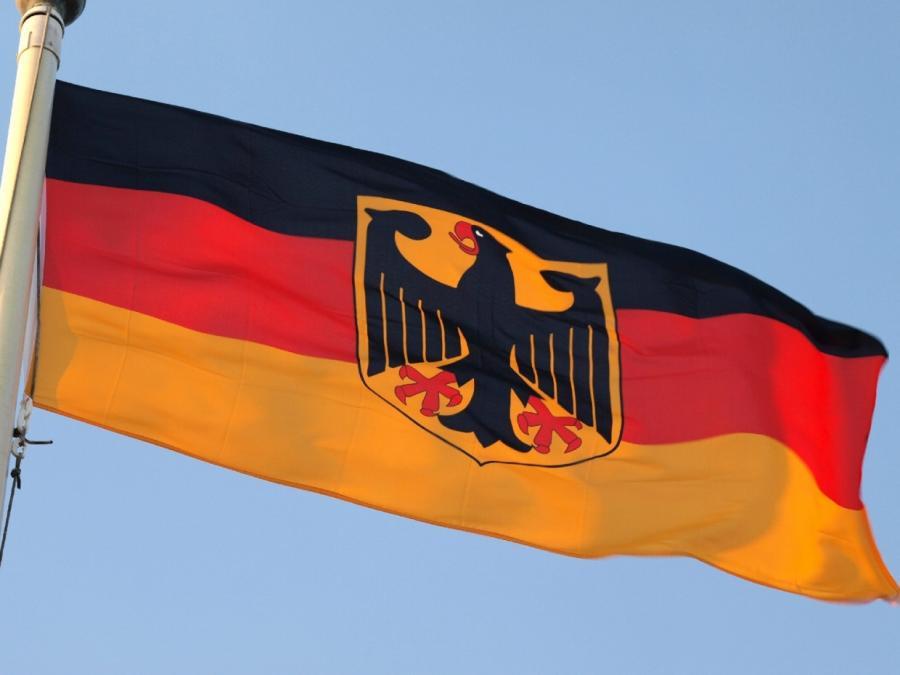 CDU will Deutschland-Fahne vor allen Schulen