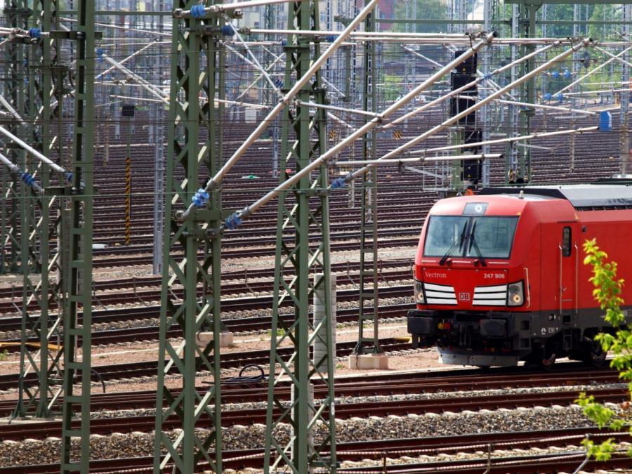 Gutachten: Bankkredite für Deutsche Bahn besser als Staatshilfe