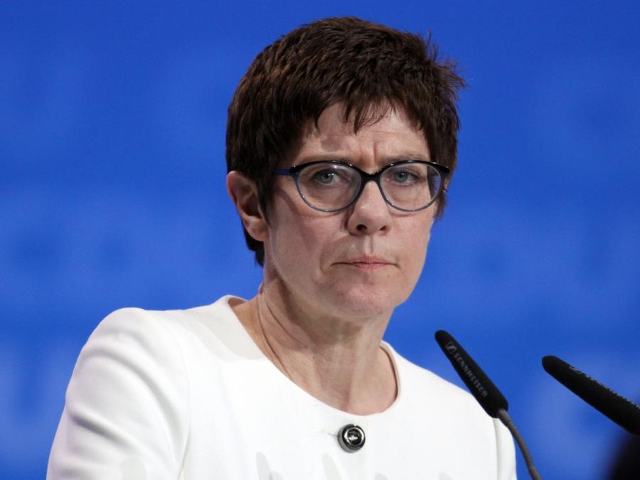 Grünen-Wehrexperte warnt AKK vor halbherziger Amtsausübung