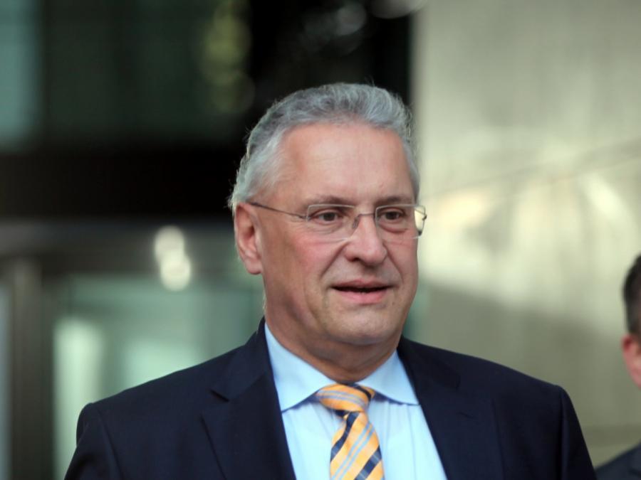 Bayerns Innenminister lobt härtere Gangart im Umgang mit AfD