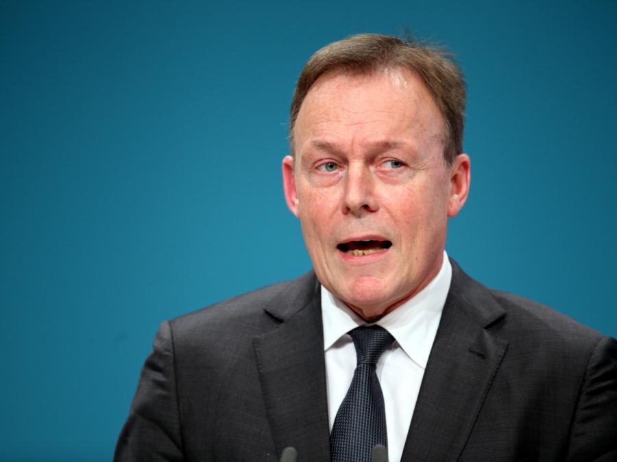 Oppermann: Regierungsbeteiligung der SPD bei Nato-Ziel ausgeschlossen