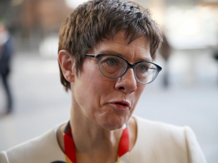 CDU-Generalsekretärin: Parteichef sollte auch Kanzler sein