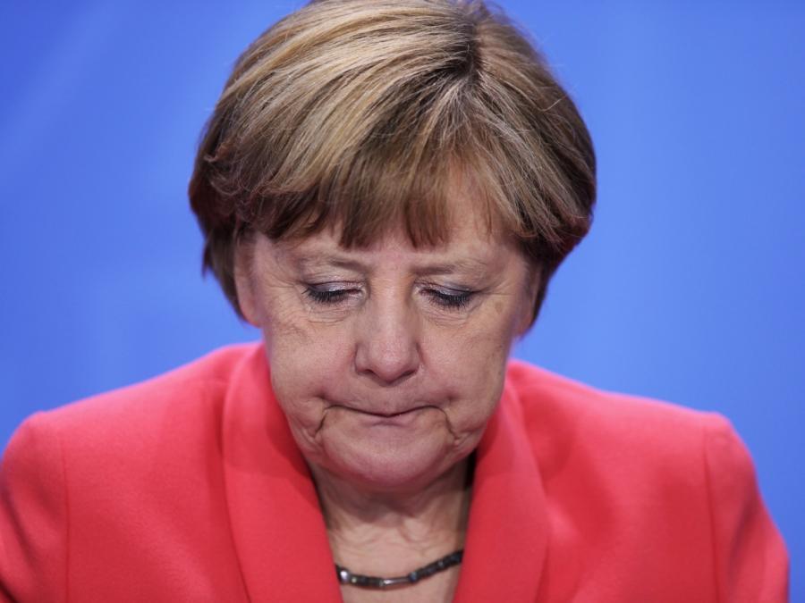 Söder lenkt im BAMF-Skandal den Blick auf Merkel