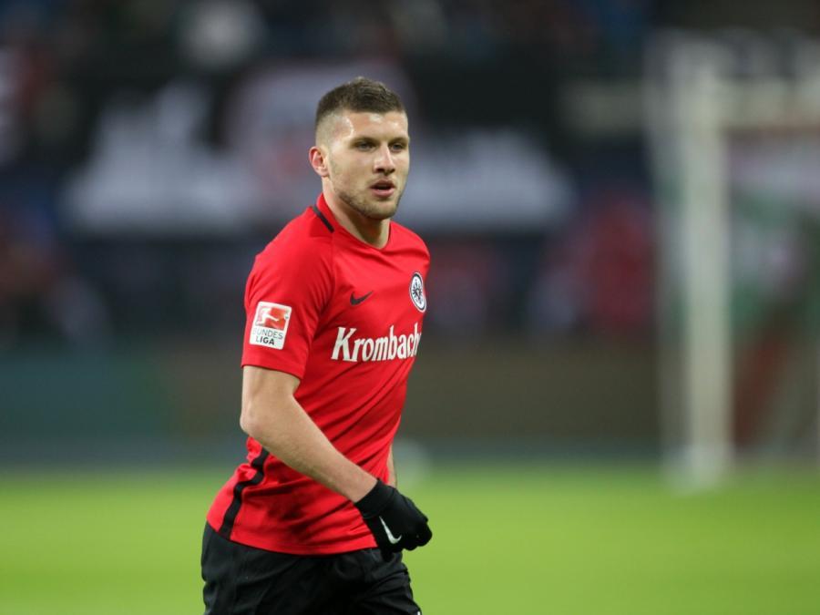 1. Bundesliga: Frankfurt gewinnt gegen Leverkusen